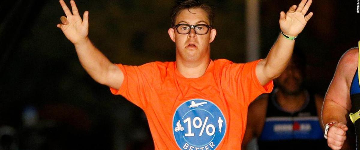 Tarihte Bir İlk: Down Sendromlu Atlet Chris Nikic Triatlon Tamamladı
